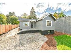 Photo of 19600 VIEW DR, West Linn, OR 97068 (MLS # 19656053)