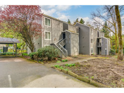 Photo of 4625 LAKEVIEW BLVD, Lake Oswego, OR 97035 (MLS # 19663589)