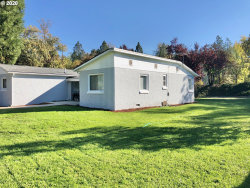 Photo of 2113 W FOOTHILL DR, Roseburg, OR 97471 (MLS # 20005899)