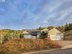 Photo of 493 NORTH VIEW DR, Roseburg, OR 97470 (MLS # 20006863)