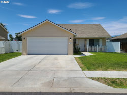 Photo of 1979 NE 2ND ST, Hermiston, OR 97838 (MLS # 20076321)
