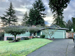 Photo of 5526 SE BANTAM CT, Milwaukie, OR 97267 (MLS # 20076374)