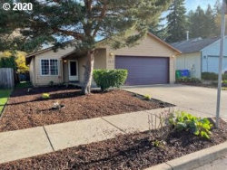 Photo of 6512 SE 139TH AVE, Portland, OR 97236 (MLS # 20079481)