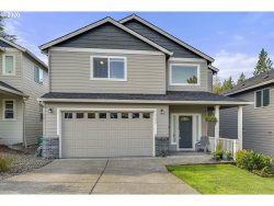 Photo of 13726 SE ELLS CT, Clackamas, OR 97015 (MLS # 20090149)