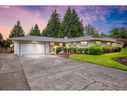 Photo of 12120 SW 116TH AVE, Tigard, OR 97223 (MLS # 20093098)