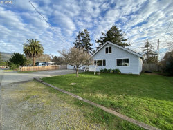 Photo of 311 BIRCH ST, Brookings, OR 97415 (MLS # 20102202)