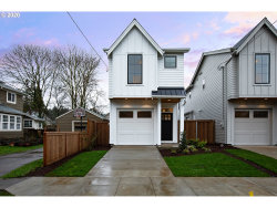 Photo of 7462 N STOCKTON AVE, Portland, OR 97203 (MLS # 20110151)