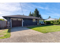 Photo of 1625 COTTONWOOD AVE, Coos Bay, OR 97420 (MLS # 20120240)