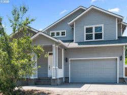 Photo of 4315 SE 141ST AVE, Portland, OR 97236 (MLS # 20132821)