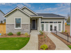 Photo of 1633 NE 15TH AVE, Canby, OR 97013 (MLS # 20139622)