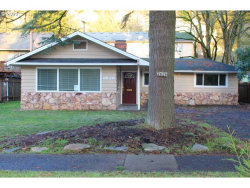 Photo of 2626 NE FREMONT DR, Portland, OR 97220 (MLS # 20142130)