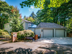 Photo of 2535 SW PATTON CT, Portland, OR 97201 (MLS # 20142929)