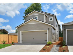 Photo of 230 FOREST LN, Molalla, OR 97038 (MLS # 20144231)