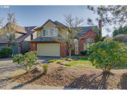 Photo of 1625 CARRIAGE WAY, West Linn, OR 97068 (MLS # 20156245)