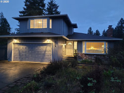 Photo of 9114 SW TRAIL CT, Portland, OR 97219 (MLS # 20160583)