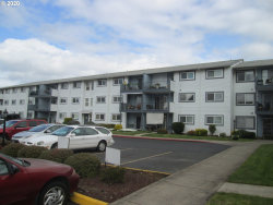 Photo of 950 EVERGREEN RD , Unit 216, Woodburn, OR 97071 (MLS # 20177772)