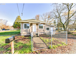 Photo of 5712 SE 103RD AVE, Portland, OR 97266 (MLS # 20217791)
