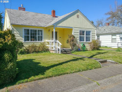 Photo of 718 W UNION ST, Roseburg, OR 97471 (MLS # 20239201)