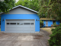 Photo of 10730 SW DERRY DELL CT, Tigard, OR 97223 (MLS # 20243280)