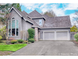 Photo of 5063 GREENSBOROUGH CT, Lake Oswego, OR 97035 (MLS # 20263145)