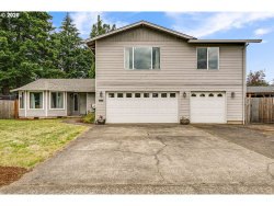 Photo of 726 S ELM ST, Canby, OR 97013 (MLS # 20267361)