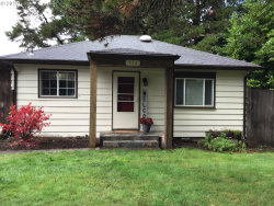 Photo of 426 ACKERMAN AVE, Coos Bay, OR 97420 (MLS # 20289473)