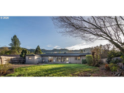 Photo of 2142 W FOOTHILL DR, Roseburg, OR 97471 (MLS # 20289657)