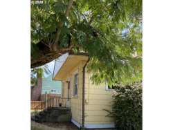 Photo of 424 W MAIN ST, Molalla, OR 97038 (MLS # 20290130)