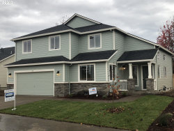 Photo of 530 Andrian CT, Molalla, OR 97038 (MLS # 20313356)