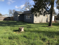 Photo of 505 GATEWAY BLVD, Cottage Grove, OR 97424 (MLS # 20333730)