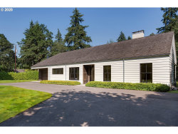 Photo of 12230 S EDGECLIFF RD, Portland, OR 97219 (MLS # 20365159)
