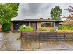 Photo of 2835 SE 68TH AVE, Portland, OR 97206 (MLS # 20383513)