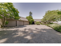 Photo of 18099 GREEN BLUFF DR, Lake Oswego, OR 97034 (MLS # 20402546)