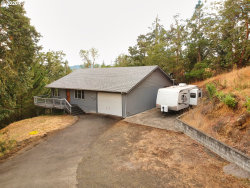 Photo of 853 OLD GARDEN VALLEY RD, Roseburg, OR 97471 (MLS # 20402928)