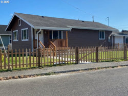 Photo of 906 JUNIPER AVE, Reedsport, OR 97467 (MLS # 20413922)