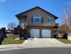 Photo of 1580 RIVER HILL DR, Hermiston, OR 97838 (MLS # 20417670)