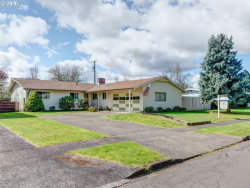Photo of 111 GREENVALE DR, Springfield, OR 97477 (MLS # 20418886)