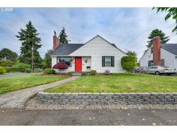 Photo of 8907 SE STEPHENS ST, Portland, OR 97216 (MLS # 20428577)