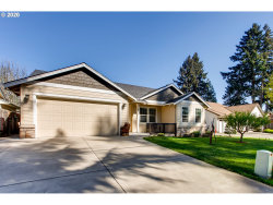 Photo of 10332 SE 40TH AVE, Milwaukie, OR 97222 (MLS # 20449033)