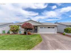 Photo of 612 W CLACKAMAS CIR, Woodburn, OR 97071 (MLS # 20563285)