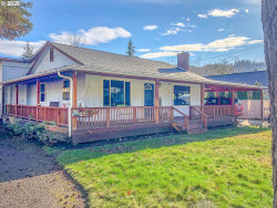 Photo of 443 W MYRTLEWOOD CT, Roseburg, OR 97471 (MLS # 20592445)
