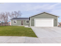 Photo of 35 CLIFF ST, Umatilla, OR 97882 (MLS # 20624610)