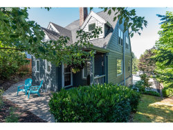 Photo of 7933 SW 40TH AVE, Portland, OR 97219 (MLS # 20642531)