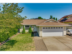 Photo of 160 W CLARENDON ST, Gladstone, OR 97027 (MLS # 20676899)