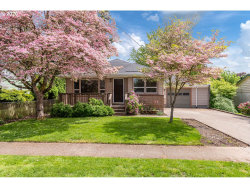 Photo of 11888 SE 35TH AVE, Milwaukie, OR 97222 (MLS # 20684250)