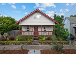 Photo of 6004 SE 88TH AVE, Portland, OR 97266 (MLS # 20687761)