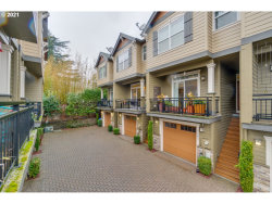 Photo of 7507 SW CAPITOL HWY, Portland, OR 97219 (MLS # 21132051)