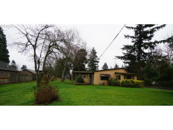 Photo of 724 NE 157TH AVE, Portland, OR 97230 (MLS # 21490496)