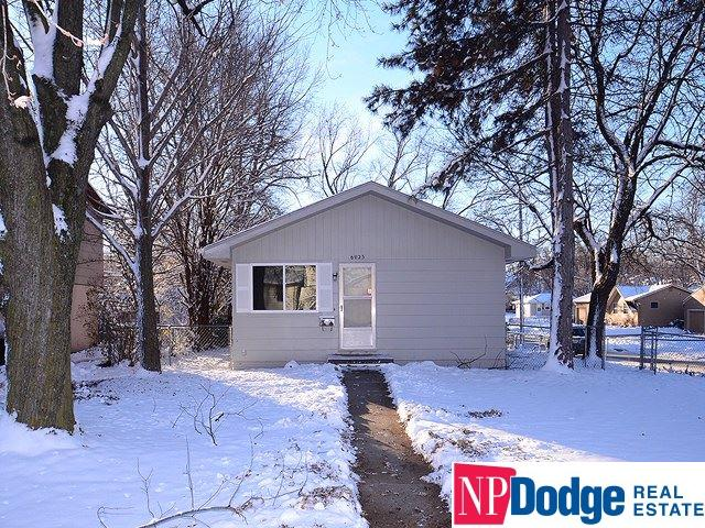 Photo for 6023 Park Lane Drive, Omaha, NE 68104 (MLS # 21821562)