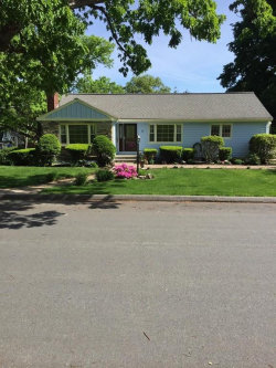 Photo of 10 Sussex Road, Winchester, MA 01890 (MLS # 72520218)
